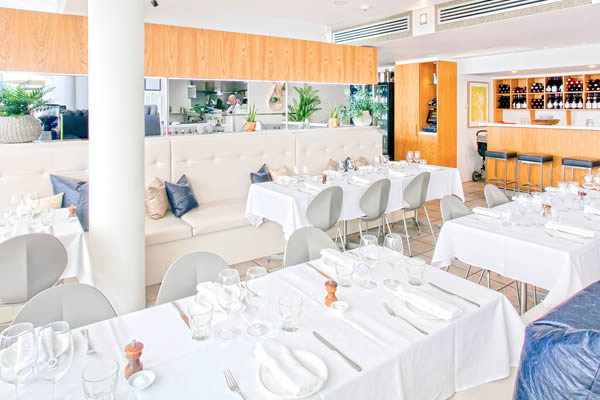 Noosa-Beachfront-Restaurant-Functions